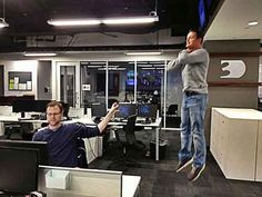 vadering while on the computer