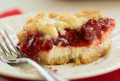Cream Cheese Cherry Pie Crumb Bars Layers of cheesecake filling and cherry pie filling are sandwiched between a crumb crust and topping. Cherry Desserts, Cherry Recipes, Just Desserts, Delicious Desserts, Dessert Recipes, Yummy Food, Bar Recipes, Amish Recipes, Pastries