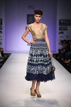 Printed Blue dress #wifw #ss14 #fdci #fashion #trends #infashion #fashionweek #virtues #prints #blue