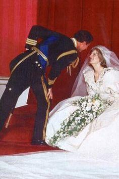 Prince Charles & Lady Diana wedding, July 29th,1981 (76) by dawngallick, via Flickr Princess Diana Wedding Dress, The Last Princess, Princess Of Wales, Charles And Diana, Prince William And Kate, Prince Charles, Spencer Family, Lady Diana Spencer, Storybook Wedding
