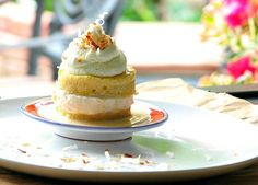 Didn't like the Tres Leches Cupcake? And what about a Coconut Tres Leches Cake? Make Ahead Desserts, Just Desserts, Great Recipes, Favorite Recipes, Yummy Recipes, Cake Recipes, Dessert Recipes, Tres Leches Cake, Cake Delivery