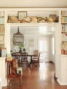 "India Hicks Bahamas home ""Hibiscus Hill"". Image via CoteDeTexas"