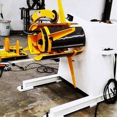 Honger machine decoiler
