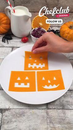 Plat Halloween, Halloween Baking, Halloween Food For Party, Diy Halloween Decorations, Halloween Treats, Fun Baking Recipes, Party Snacks, Cute Food, Creative Food