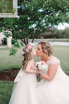 There's so much love in this photo we just had to share. White peonies, pink ranunculus, baby's breath, dusty miller and lots and lots of love. www.jademcintoshflowers.com.au