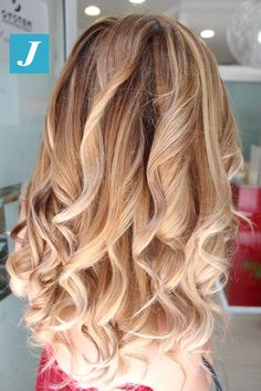 Most desirable Shades _ Degradé Joelle #cdj #degradejoelle #tagliopuntearia #degradé #igers #musthave #hair #hairstyle #haircolour #longhair #ootd #hairfashion #madeinitaly #wellastudionyc