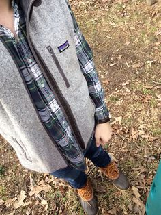 Mens Fashion Rugged – The World of Mens Fashion Preppy Outfits, Preppy Style, Fall Outfits, Frat Style, Preppy Guys, Preppy Fall, Mens Winter Boots, Mens Fall, Patagonia Vest Outfit