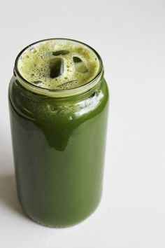 RAW + VEGAN glowing morning juice