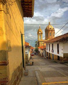Pueblos Patrimonio de Colombia San Francisco Ferry, Latina, Big Ben, Beautiful Places, 1, Deco, Architecture, Street, Building