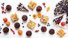 Úroda českého letního ovoce je v plném proudu a to je skvělá záminka pro nás mlsouny – co jiného také se všemi těmi přebytky dělat než z nich péct lahodné ovocné koláče?