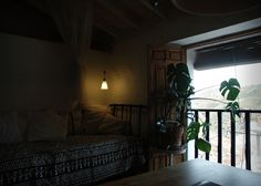 Rent a studio/writers study with bed. In Cútar. With a view.