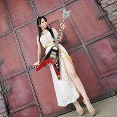 Japanese Girl Band, Female Guitarist, Action Poses, Girl Bands, Visual Kei, Rock Music, Rock Bands, Girl Group, Folk