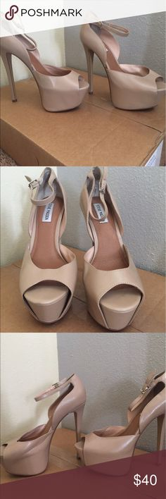 Steve Madden nude heels Worn maybe once. Great condition. No box. Steve Madden Shoes Heels
