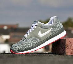Nike Air Safari-Mica Green-Light Base Grey-Dark Mica Green. I Want To Buy This Shoes.