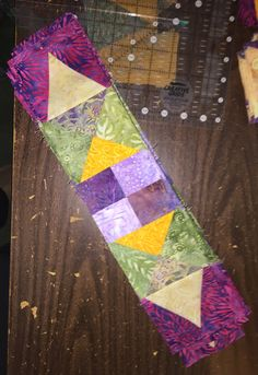 2016/2017 En Provence Mystery Quilt Pattern and Design © Bonnie K. Hunter - www.quiltville.com Cut and pieced by Liz Feitelberg - Quincy, MA