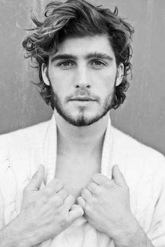 Medium Length Hairstyles Curly Hair Men                                                                                                                                                                                 More Hippie Boy, Hippie Hair, Hipster Hairstyles Men, Boys Long Hairstyles, Curled Hairstyles, Wedding Hairstyles, Cool Hairstyles, Super Hair, Hipster Looks