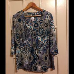 Comfy top Comfy quarter length shirt. Worn three times. Washed and dried. Good condition. Just my size Tops Tees - Long Sleeve