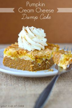 Easy PUMPKIN CREAM CHEESE DUMP CAKE I MUST TRY THIS yellow cake mix, 29 oz canned pumpkin, 1 pkg cream cheese. This is the kind of dump cake I have been looking for. I love the idea of adding cream cheese layer on top of pumpkin under the dry cake mix. Fall Desserts, Just Desserts, Delicious Desserts, Homemade Desserts, Dump Cake Recipes, Dessert Recipes, Dump Cakes, Frosting Recipes, Yummy Treats