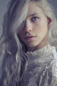 Model_Sarah Ebstein