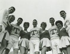 UT Cheerleaders (circa 1950, AR.0018)