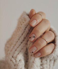 Star Nail Art, Star Nails, Cute Nails, Pretty Nails, My Nails, Nailart Rose, Minimalist Nails, Hair Skin Nails, Stylish Nails