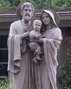 I think that this statue of the Holy Family would look great in my garden. Jesus, Mary, and Joseph, I love you! Catholic Prayers, Catholic Art, Catholic Saints, Religious Art, Roman Catholic, Catholic Pictures, Jesus Pictures, Religion, Image Jesus