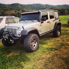 2010 jeep wrangler jk lifted 4 inches Dana 44 and upgraded led rail up top. So gorgeous 2010 Jeep Wrangler, Jeep Rubicon, Jeep Jeep, Transfer Case, Jeep Life, Jeeps, How To Look Pretty, Classic Cars, Monster Trucks