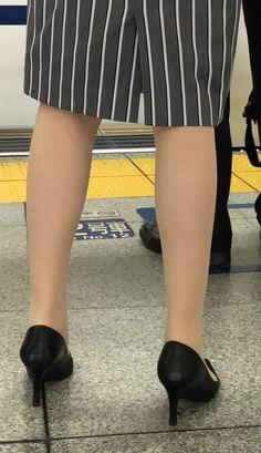 Pantyhose Heels, Stockings Heels, High Heel Pumps, Shoes Heels, Pantyhosed Legs, Calf Muscles, Sexy Legs, Heeled Mules, Kitten Heels