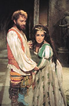 Elizabeth Taylor and Richard Burton Taming of the Shrew (1967)