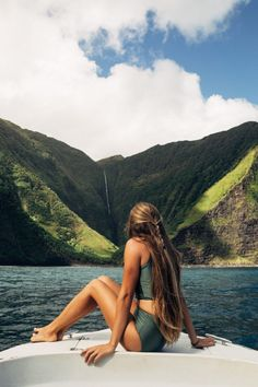 Hawaii Travel Bucket List: See waterfalls the world's tallest sea cliffs in Molokai. More Hawaii travel ideas on our site www.ourgoodadventure.com