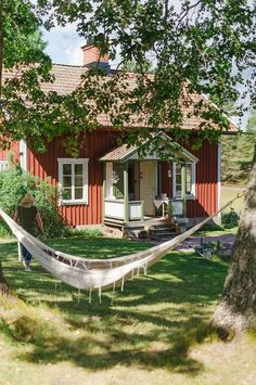 Swedish Cottage, Red Cottage, Red Houses, Village Houses, Sweden House, Houses In Sweden, Beautiful Homes, Beautiful Places, Cabins And Cottages