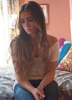 """Lily Collins as Karen Murphy in """"Abduction"""""""