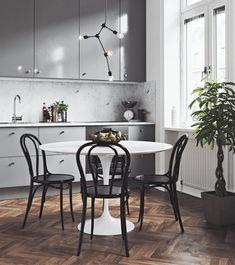Scandinavian Interior Design, Scandinavian Home, Modern Interior Design, Flat Interior, Scandinavian Furniture, Modern Interiors, Beautiful Interiors, Grey Kitchen Designs, Interior Design Courses