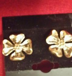 Vintage Gold flower pierced earrings #Stick Retro Costume, Gold Flowers, Heart Ring, Pierced Earrings, Ebay, Vintage, Jewelry, Shop, Jewlery