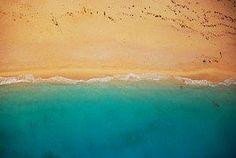 Sur la plage l'écume dansante. Suspension du mental.#Zen #Attitude #Plage