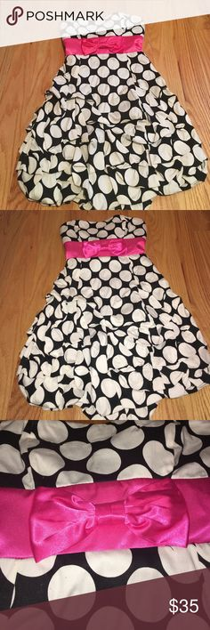 Strapless polka dotted dress Never worn! Excellent condition! Zips in the back and ties in the back! Has padding! rub y rox Dresses