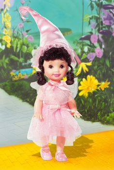 Sing along with the Lollipop Guild with this a-doll-able munchkin. Lullaby Munchkin Kelly Doll.