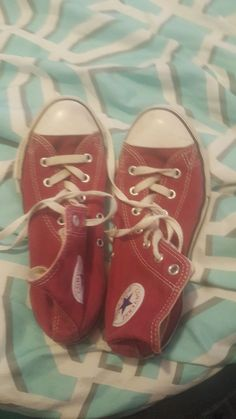 2504e4b2e358 (ebay link) maroon colored converse high tops size 3 youth  fashion   clothing