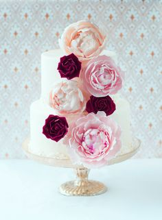 (via Lulu's Sweet Secrets: Almond Cake, Sugar Peonies and Roses)
