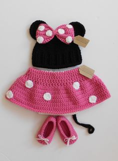 Baby Minnie Mouse Hat, Diaper and Shoes Set. $49.95, via Etsy.
