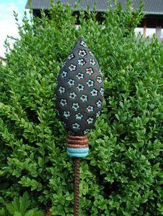 Beetstecker-Blümchen-türkis-rot von Kunst-und-Keramik auf DaWanda.com
