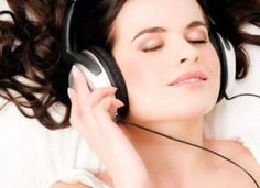 Tren.co.id, Mendengarkan Musik Klasik Ternyata Banyak Manfaatnya Lho… Simak Penjelasannya – Banyak orang tidak begitu mengetahui banyaknya manfaat dari mendengarkan musik klasik, bahkan pecinta musik klasik sendiripun tidak menyadari, bahwa musik favoritnya itu ternyata memiliki...