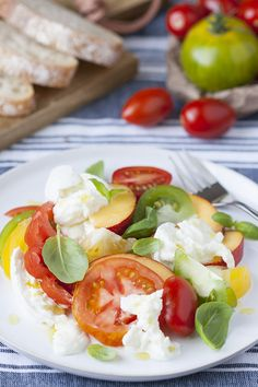 Matching sweet nectarines with tomatoes and basil may sound a bit odd, but to me this salad is the ultimate summer combination. Believe me.