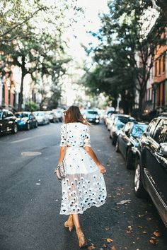 Dress | Flowers | Streets | Summertime | Photography | More on Fashionchick.nl
