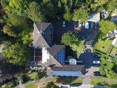 Das AKZENT Hotel Schildsheide aus der Vogelperspektive betrachtet Mansions, House Styles, Birds Eye View, Double Room, Recovery, Bonn, Manor Houses, Villas, Mansion