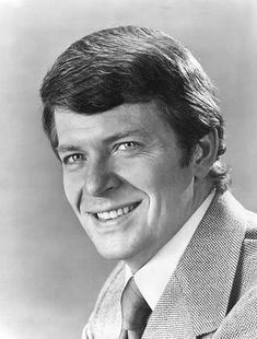 "Robert Reed (1932–1992) American actor, best known as Mike Brady on the sitcom The Brady Bunch, 1969-74. Reed was gay, but kept this fact private fearing it would damage his career. After his death, Reed's Brady Bunch co-stars Barry Williams & Florence Henderson acknowledged Reed's sexual orientation. While Reed did not have AIDS at the time of his death, his doctor listed his HIV-positive status as a ""significant condition[s] that contributed to death"""