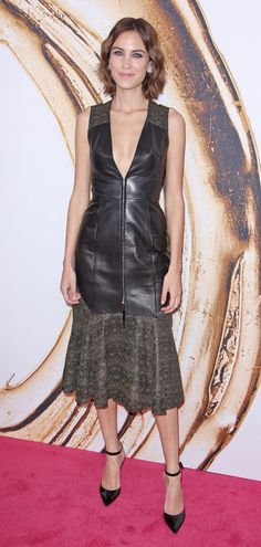 Alexa Chung discusses her diet for the first time *ver*...
