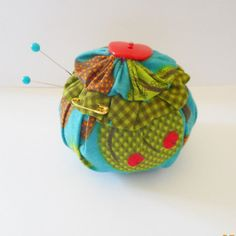 APPLE Yo Yo Pincushion with matching Apple Button by Happy2BCrafty