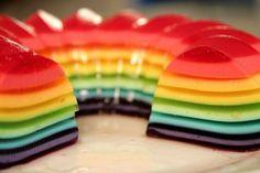Apesar de ser uma sobremesa um pouco trabalhosa, a gelatina colorida em camadas é uma delicia e... Krispy Kreme, Some Love Quotes, Free Facebook Likes, Tv Set Design, Keto Recipes, Cooking Recipes, Gelatine, Chocolate Fondant, Easy Food To Make