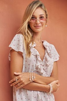 Discover our beautiful new Sterling Silver, Gold and Rose Gold jewellery, taking inspiration from the cosmic law and transforming it into a warm, loving collection full of positivity and tranquillity. Silver Charm Bracelet, Silver Bangles, Rose Gold Jewelry, Gold Jewellery, Feather Necklaces, Big Fashion, Bedroom Colors, Woman Face, Cloths